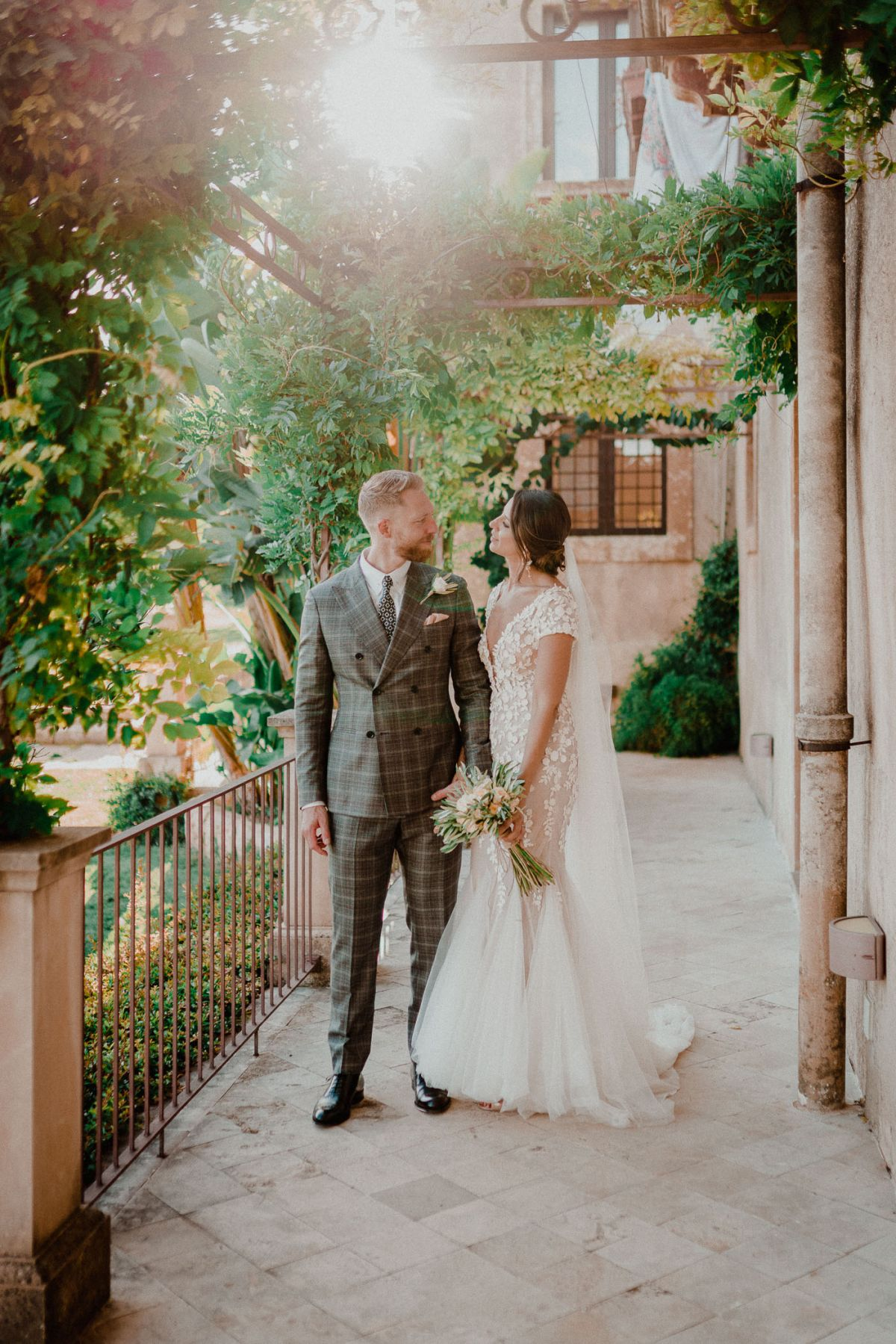 wedding photographer sicily borgo del carato siracusa